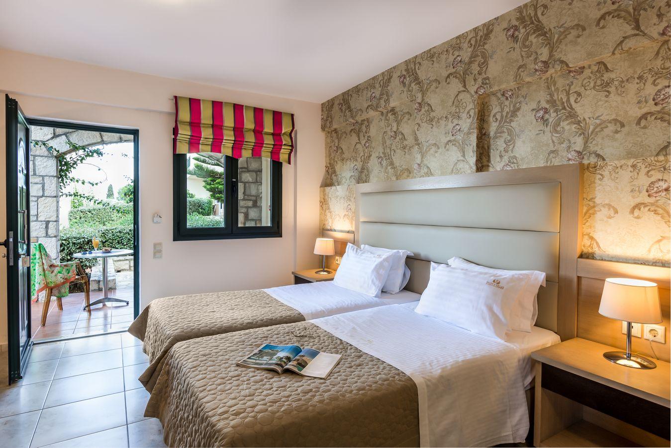 Deluxe Suite bedroom - Pilots Villas Hersonissos Crete