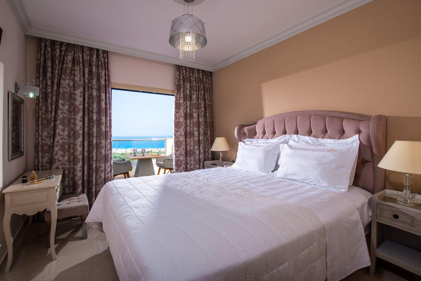 2 bedroom + 2 bathroom sea view suite master bedroom - Pilots Villas Hersonissos Crete
