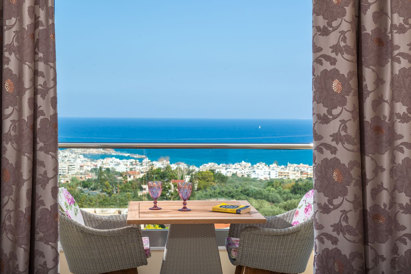Sea view suite balcony - Pilots Villas Hersonissos Crete