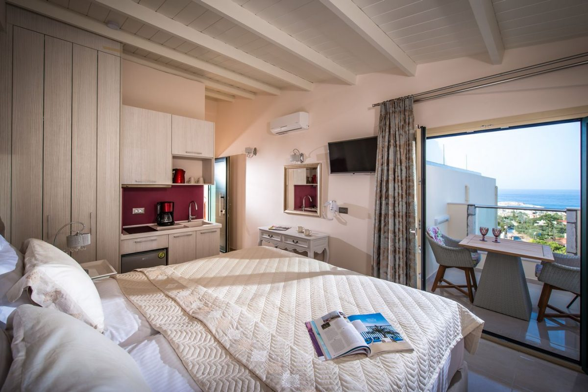 Deluxe suite Sea view Overview - Pilots Villas Hersonissos Crete